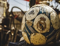 المغرب الرياضي  - ريال مدريد يعدّ مفاجأة لبنزيما في حال فوزه بالكرة الذهبية