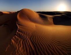 المغرب الرياضي  - تتويج المغربيين رشيد المرابطي وعزيزة الراجي بالنسخة 35 في مارثون الرمال