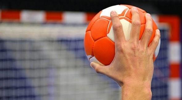 المغرب الرياضي  - رئيسة جامعة كرة الطائرة حجيج تطلع العثماني على آخر مستجدات رياضة كرة الطائرة المغربية