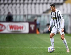 المغرب الرياضي  - والدة رونالدو تكشف أن ابن كريستيانو أفضل منه