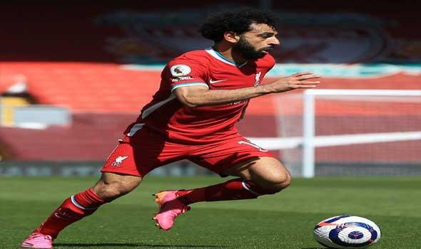 المغرب الرياضي  - منتخب مصر لكرة القدم يصل مدينة بنغازي لكن ما سر تغطيه محمد صلاح لوجهه