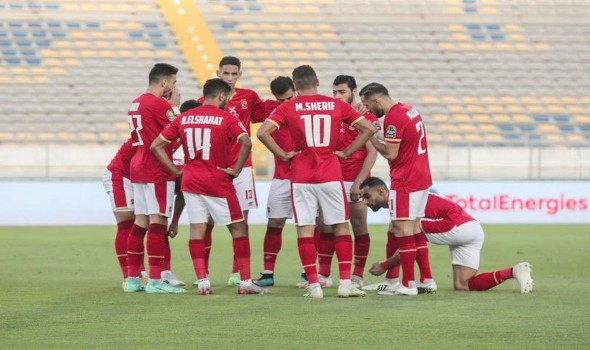 المغرب الرياضي  - الأهلي المصري يفاجئ اللاعبين بصرف مكافآت مالية عقب أزمة الخصومات