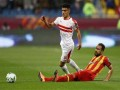 المغرب الرياضي  - أشرف بن شرقي يرفض الزواج بفتاة مصرية
